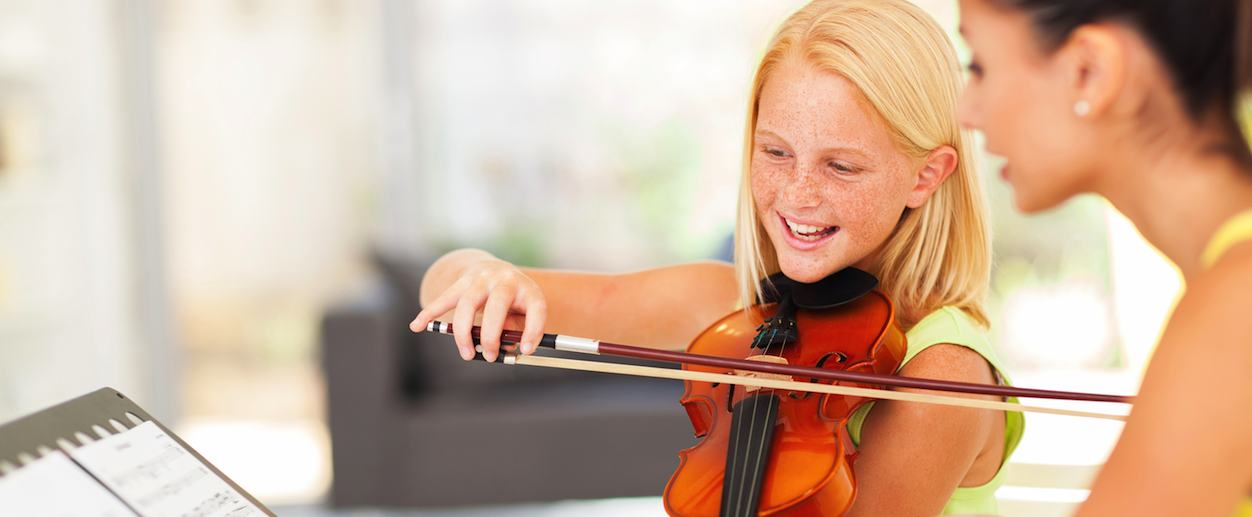 Kids violin lesson